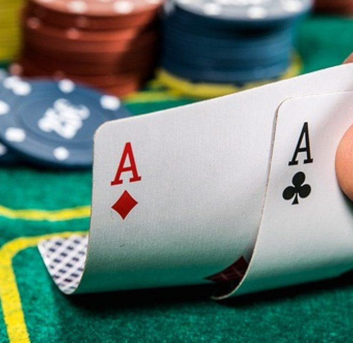 Know about Back Hand, Middle Hand and Front Hand in idnpoker game